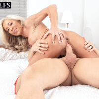 Platinum blond cougar Mandy Monroe receives an internal ejaculation after seducing her son-in-law