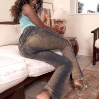 Black amateur Sapphira releases her huge butt from thong underwear and denim jeans