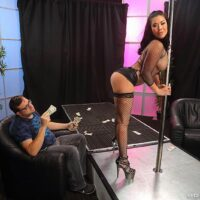 Brown-haired MILF adult vid starlet London Keyes does anal sex in fishnets inside a stripclub