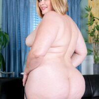 Plus sized ash-blonde solo female Marcy Diamond loosing her massive booty from denim shorts