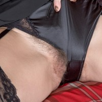 First-timer model Kaysy displays her all-natural vagina after doing away with black lingerie