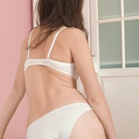 First timer solo girl Lisa Carry unveils her natural cunny from lace panties