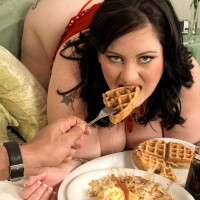 Giant jugged SSBBW Glory Foxxx sucking penis while tonguing breakfast in bed