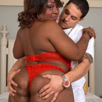 Ebony SSBBW Amira Jones loosing huge butt from panties before cunt banging