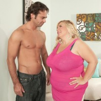 Sandy-haired BIG SEXY LADY Cassie Blanca has her vagina sucked out after being unclothed naked