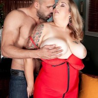 Blonde BIG HOT WOMAN Dani Moore unveils her large boobs before delivering a oral pleasure in lingerie