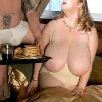 Blonde feeder Sapphire revealing huge boobies before delivering hand-job while gobbling