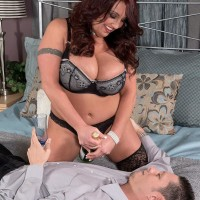 Dark-haired babe Stephanie Stalls freeing knockers from bra for titty sucking before ORAL JOB