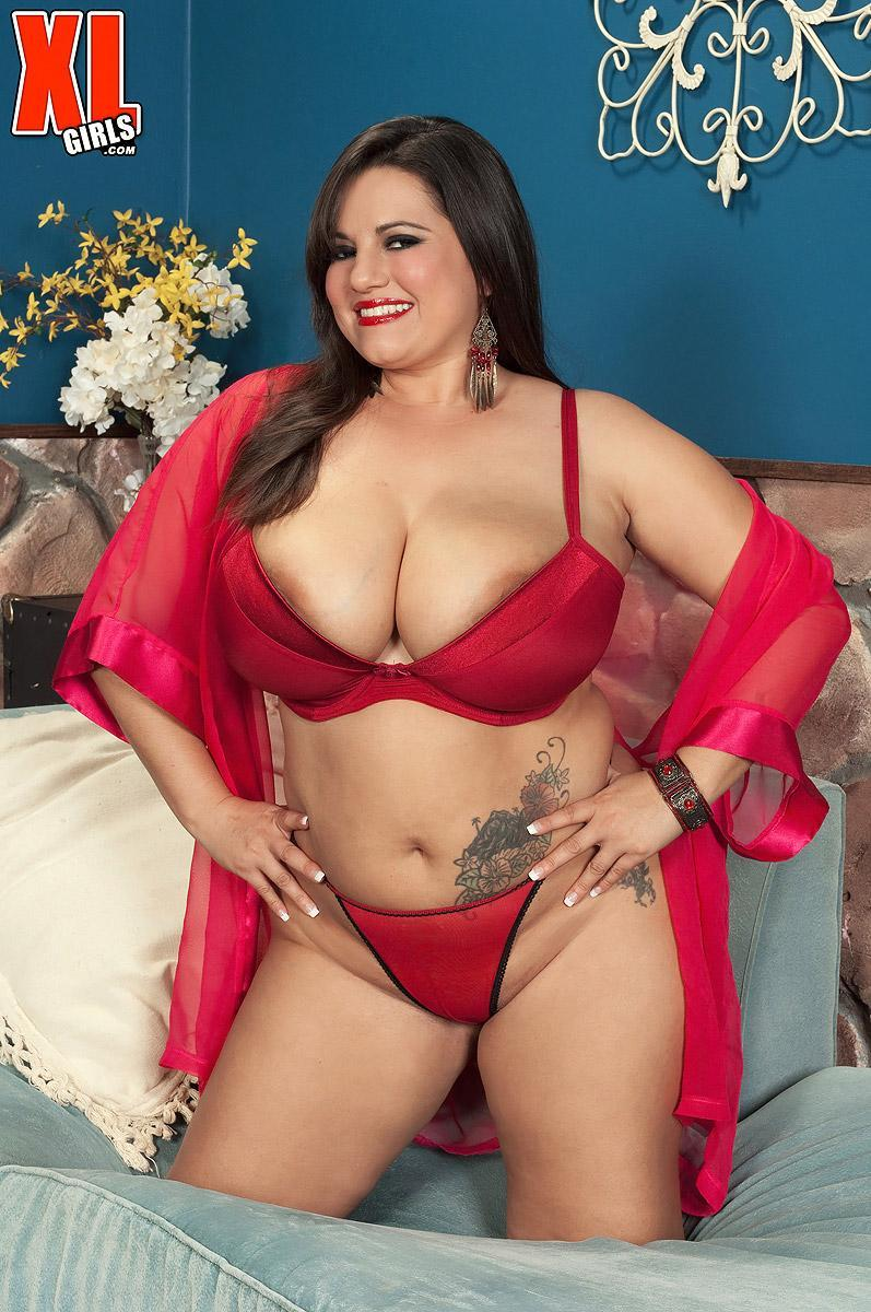 Brown-haired big hot woman Melonie Max jugg throttling stud with large boobies in crimson lingerie