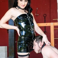 Black-haired girlfriend Sarah Dice has her sub hubby adoration her ass and coochie