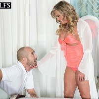 Big-titted elderly yellow-haired doll Missy Blewitt seducing junior stud for sex in lingerie