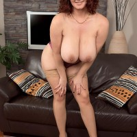 Chubby stunner Vanessa Y demonstrating massive natural dangling boobies in tights