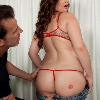 Chubby female Jessica Roberts is disrobed and seduced by her masseuse