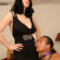 Clothed black-haired gf Shae Fatale hog tieing slave husband in pumps