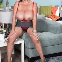 Curvy brunette MILF Paige Turner loosing monster-sized natural titties from brassiere