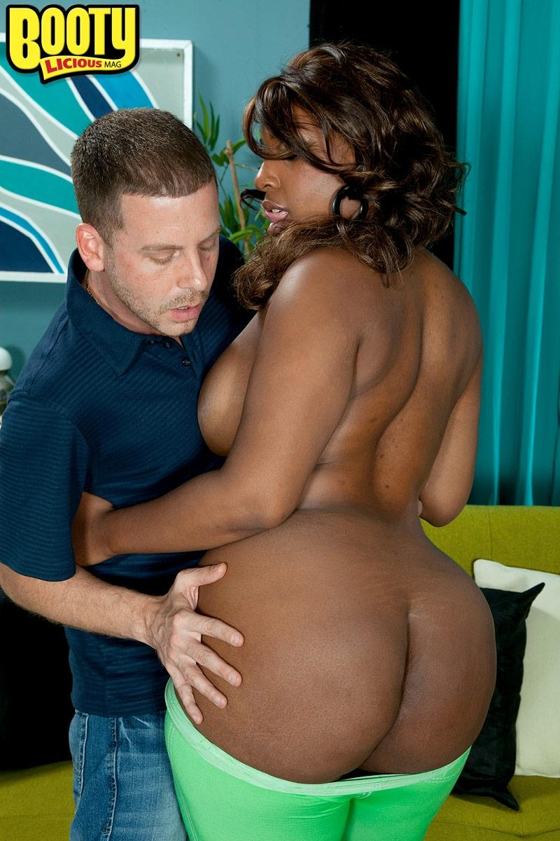 Black MILF Layla Monroe exposes her hefty ebony backside as her and a milky man de-robe