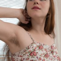 Euro brown-haired amateur Elsa Hanemer demonstrating unshaven pits and muff