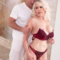 Stellar grandma Broad S blows her masseur after massage and losing her brassiere