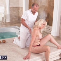 Fabulous grannie Dame S blows her masseur after rubdown and losing her melon-holder