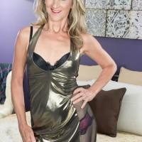 Fabulous elder lady Lauren De Wynter tempts younger stud and gives him a blowjob