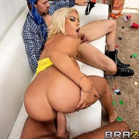 Latina adult vid starlet Bridgette B sucking 2 giant hard-ons before hardcore DP and jizz shot