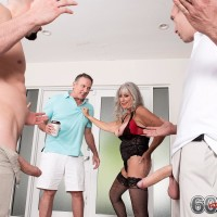 Mature woman Silva Foxx gives 2 dudes oral jobs in front of her cuck spouse
