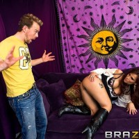 MILF XXX flick starlet Syren De Mer slurping giant junk before filthy bum-hole sex in boots