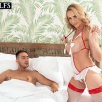 Experienced ash-blonde Kenzi Foxx seduces an ill youthful guy while clad naughty nurse garment