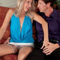 Old yellow-haired woman Chery Leigh exposes her melons in tan hosiery for her husband