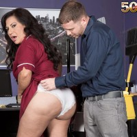 Over 50 brunette cleaning doll Victoria Versaci knocker boinking and sucking sausage in work environment