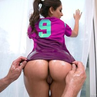 PHAT ASS WHITE GIRL Jynx Maze takes a monster-sized dick up her sphincter during a football and pizza party