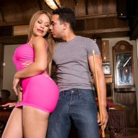 Jaw-dropping Latina MILF Samantha Bell seducing boy at bar with her hefty butt