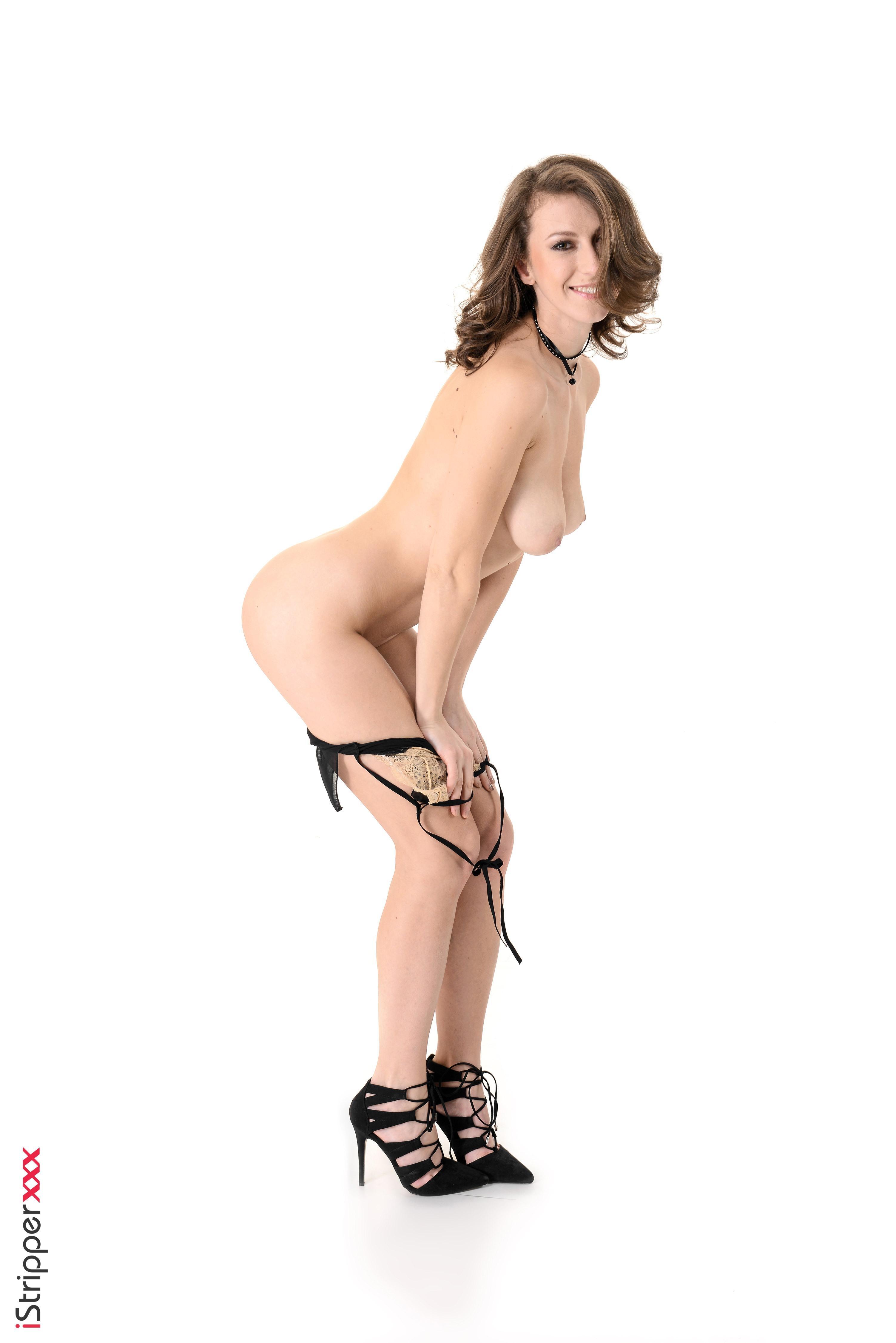Stunner Emylia Argan dildos her gash after disrobing off magnificent lingerie in high-heeled shoes