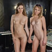 Teenage chicks Aurora and Belle eat lezzie muff before hard strap-on boinking
