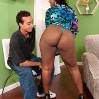 Chubber ebony female Aaliyah Envy dirty dances her monster-sized bum while seducing a her man mate
